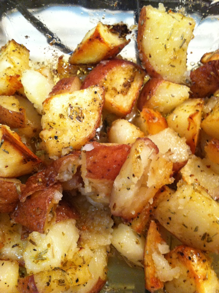 Rosemary Season Salt Roasted Potatoes | brandie-sellers.com